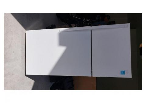 Refrigerator/freezer for sale - Good condition